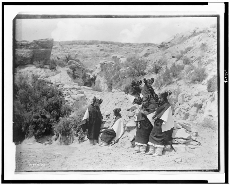 Description of  Title: [East Mesa girls--Hopi].  <br />Date Created/Published: c1906.  <br />Photograph by Edward S. Curtis, Curtis (Edward S.) Collection, Library of Congress Prints and Photographs Division Washington, D.C.