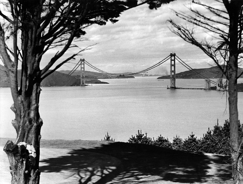Description of  Picture dated May 1936 of the Golden Gate Bridge, in the San Francisco Bay, during its construction. (OFF/AFP/Getty Images)