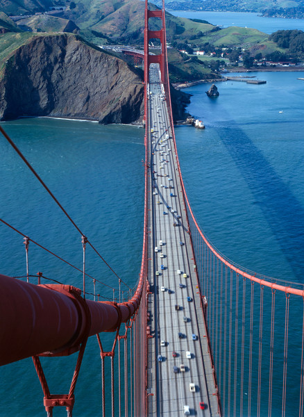 Description of  General view from the south tower looking north on the Golden Gate Bridge, 1984. (Photo by Jet Lowe, Library of Congress)
