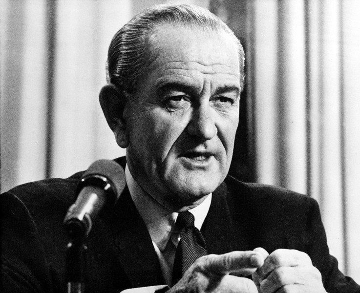 Description of  U.S. President Lyndon B. Johnson addresses the nation in a radio and television broadcast from his desk at the White House in Washington, D.C., on March 31, 1968.  In his speech the president talked about plans to de-escalate the war in North Vietnam and his plans not to run for re-election.  (AP Photo)