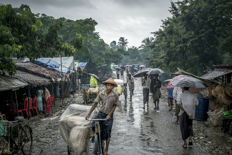 Description of  Since the riots in June 2012, more than 140 000 Rohingyas, the Muslim minority community in Burma, have been living in camps for internally displaced persons in Arakan state. Sittwe, Burma (Myanmar), August 2013.<br />© Bruno Amsellem / Signatures
