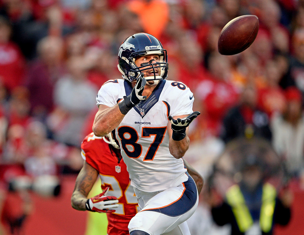 . KANSAS CITY, MO - DECEMBER 01: Denver Broncos wide receiver Eric Decker (87) catches a touchdown pass from Peyton Manning during the second quarter against the Kansas City Chiefs  December 1, 2013 at Arrowhead Stadium.  (Photo by John Leyba/The Denver Post)