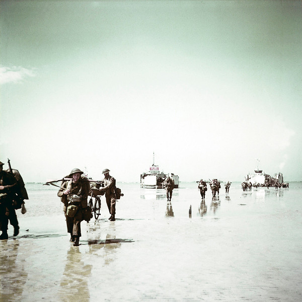 Description of  Troops from the 3rd Canadian Infantry Division landing at Juno Beach on the outskirts of Bernieres-sur-Mer on D-Day, June 6, 1944. 14,000 Canadian soldiers were put ashore and 340 lost their lives in the battles for the beachhead.  (Photo by Galerie Bilderwelt/Getty Images)