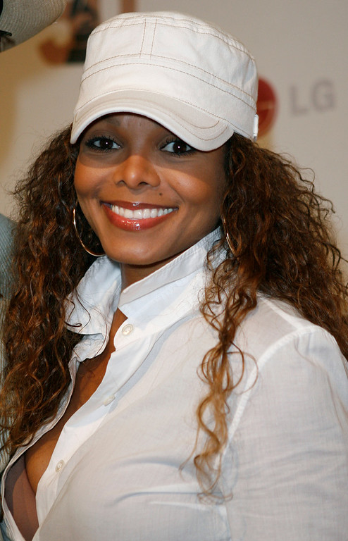 Description of . Janet Jackson arrives during the a private affair honoring the Recording Academy's newly elected Chair of the Board Jimmy Jam, Wednesday, Sept. 12, 2007, in Malibu, Calif. (AP Photo/Gus Ruelas)