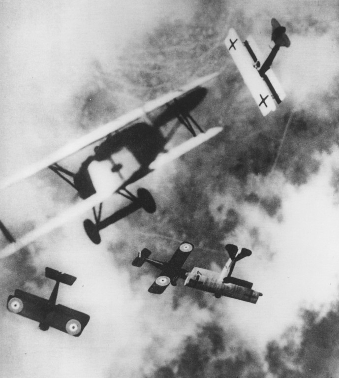 Description of . British SE-5s locked in aerial combat with German Fokker D7s, circa 1915.   (Photo by Hulton Archive/Getty Images)
