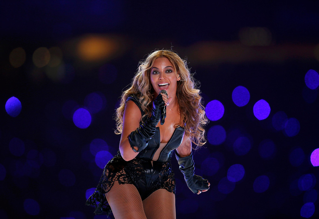 Description of . Beyonce performs during the half-time show of the NFL Super Bowl XLVII football game in New Orleans, Louisiana, February 3, 2013. REUTERS/Jeff Haynes