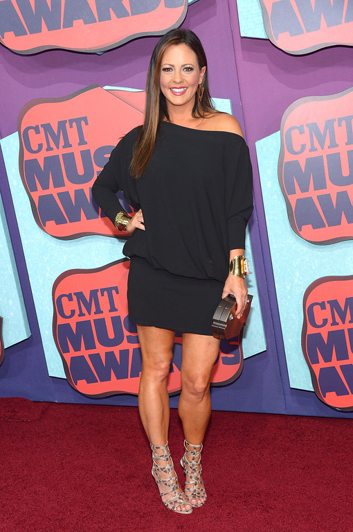 Description of . Sara Evans attends the 2014 CMT Music awards at the Bridgestone Arena on June 4, 2014 in Nashville, Tennessee.  (Photo by Michael Loccisano/Getty Images)