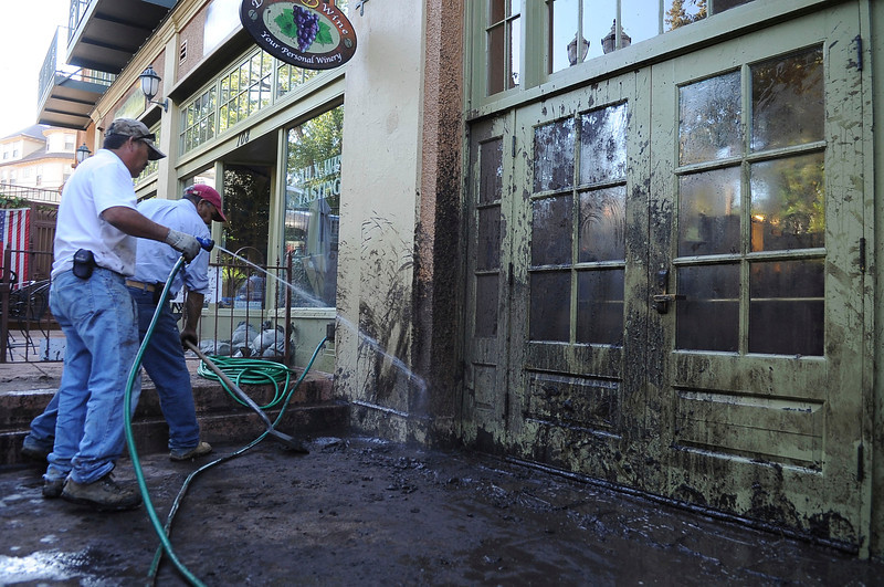 Manitou Springs cleaning up after a flash flood
