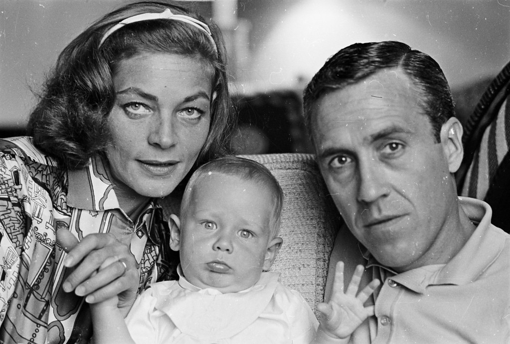 . FILE - AUGUST 12: It has been reported that actress Lauren Bacall has died of a stroke. She was 89 years old. 1962:  American actress Lauren Bacall with her second husband, Jason Robards and their baby son Sam, who grew up to follow his parents into show business.  (Photo by William Lovelace/Express/Getty Images)