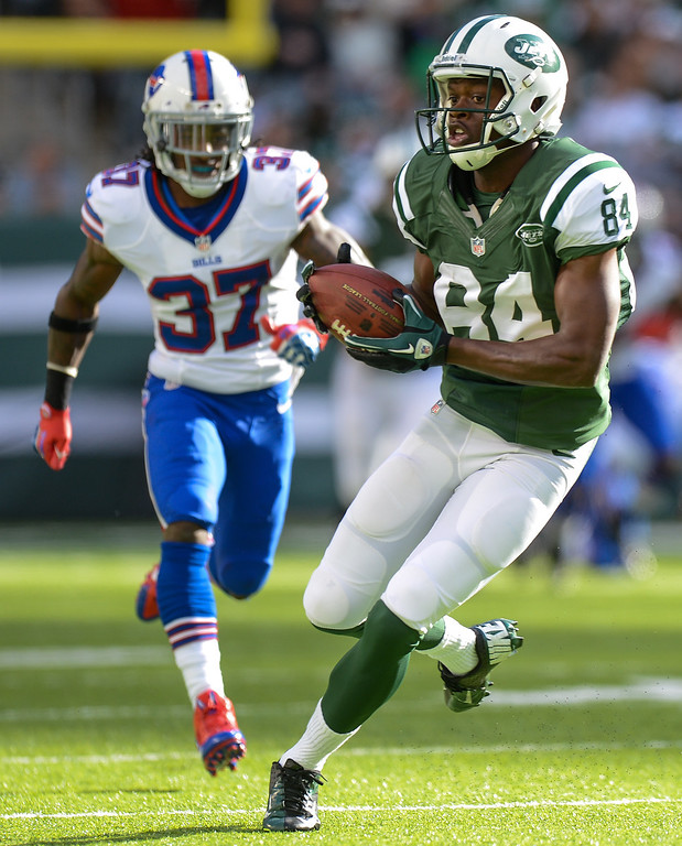 Description of . Wide receiver Stephen Hill #84 of the New York Jets first down catch in the 1st half of the Jets game against the Buffalo Bills at MetLife Stadium on September 22, 2013 in East Rutherford, New Jersey. (Photo by Ron Antonelli/Getty Images)
