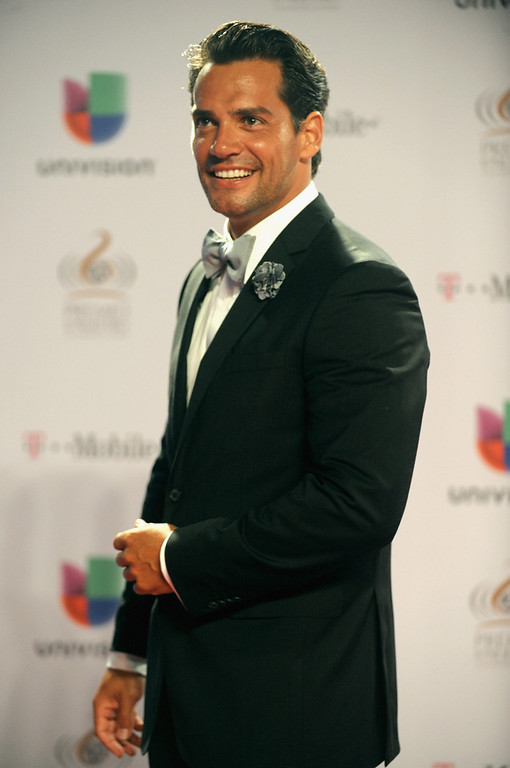 """. Cristian de la Fuente arrives at the 25th Anniversary Of Univision\'s \""""Premio Lo Nuestro A La Musica Latina\"""" on February 21, 2013 in Miami, Florida.  (Photo by Gustavo Caballero/Getty Images for Univision)"""