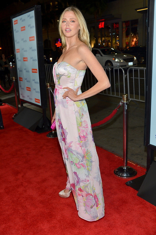 Description of . Actress Estella Warren arrives at the premiere of Relativity Media's