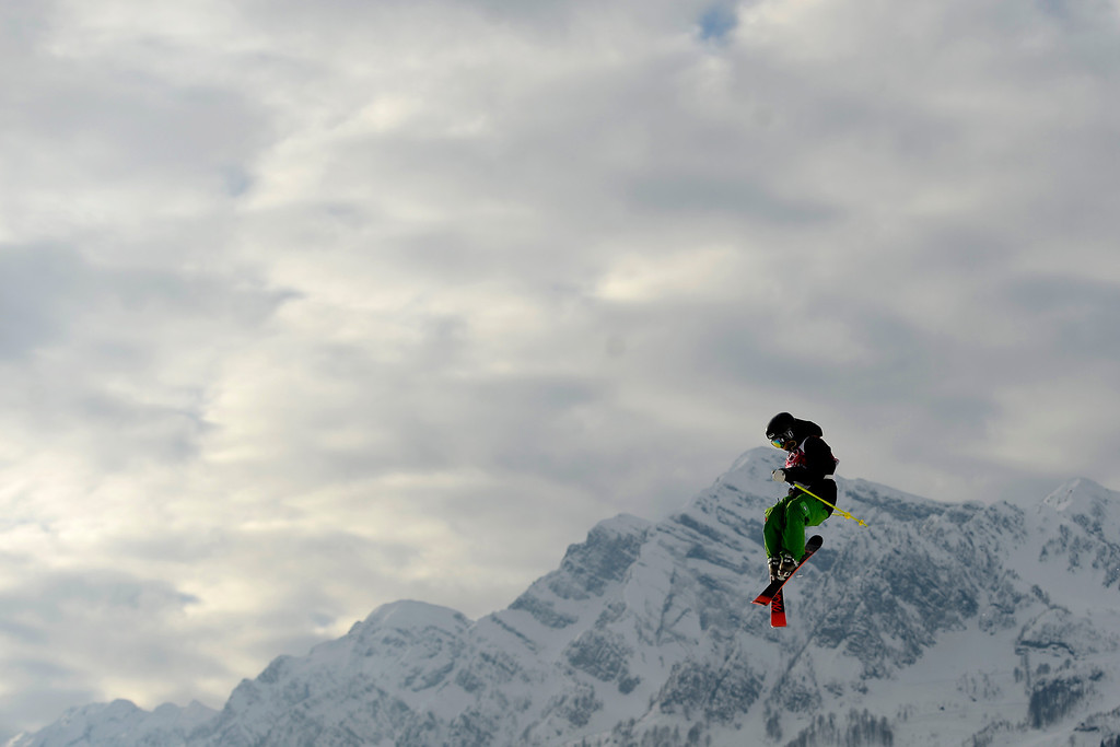Description of . Yuki Tsubota of Canada competes in the women\'s Freestyle Skiing Slopestyle qualification in the Rosa Khutor Extreme Park at the Sochi 2014 Olympic Games, Krasnaya Polyana, Russia, 11 February 2014.  EPA/JENS BUETTNER