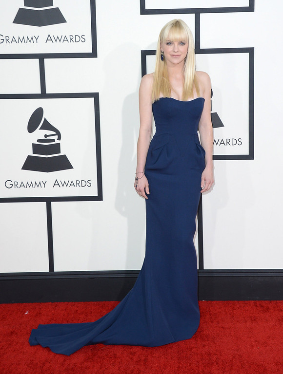 Description of . Anna Faris arrives at the 56th annual Grammy Awards at Staples Center on Sunday, Jan. 26, 2014, in Los Angeles. (Photo by Jordan Strauss/Invision/AP)