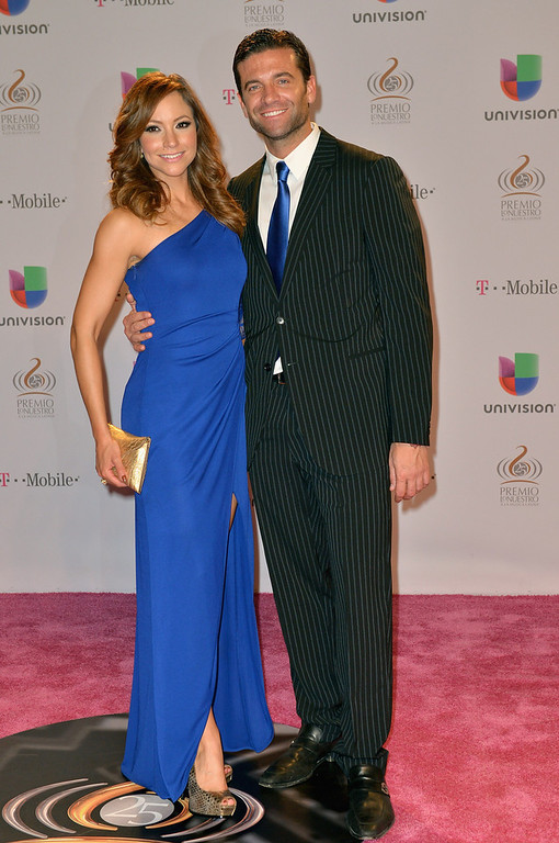 Description of . Satcha Pretto and Aaron Butler arrive at the 25th Anniversary Of Univision's
