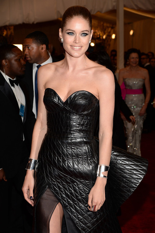 Description of . Doutzen Kroes attends the Costume Institute Gala for the
