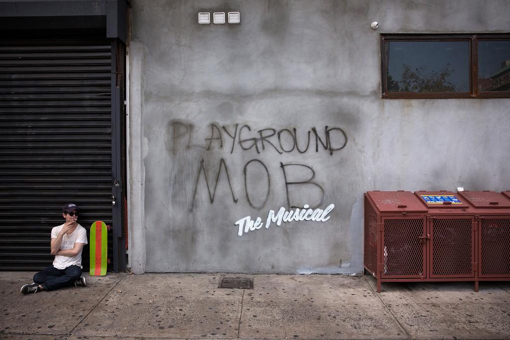 Description of . Street art reading,
