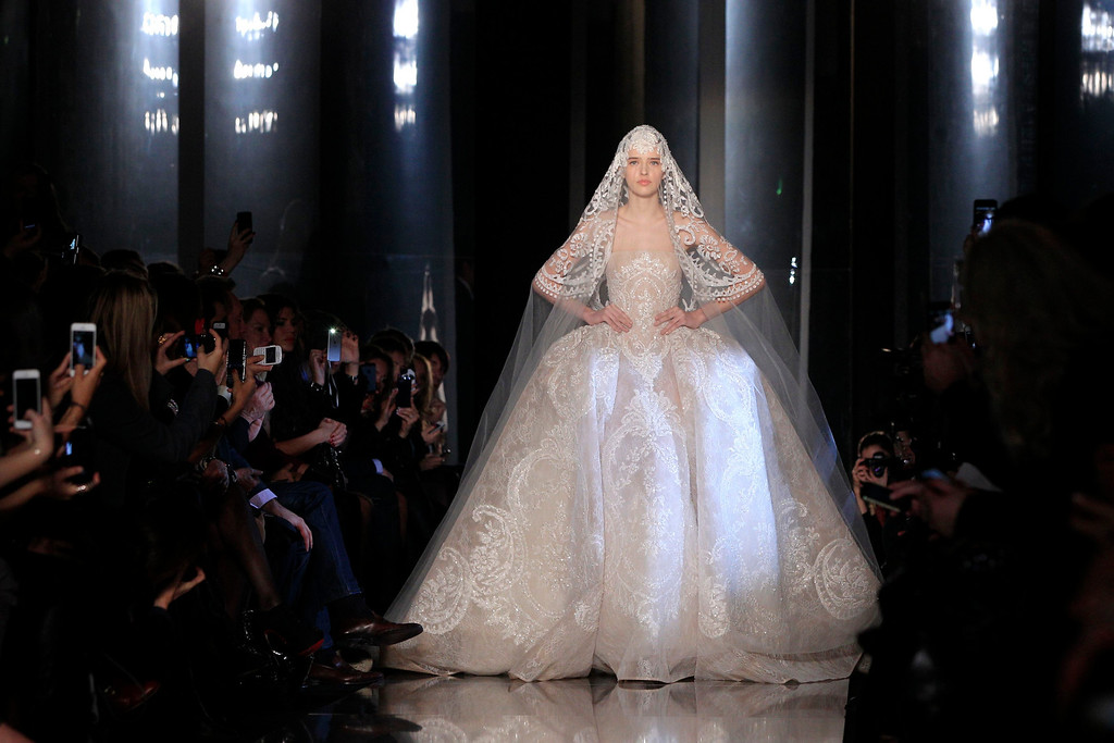 Description of . A model presents a creation by Lebanese designer Elie Saab as part of his Haute Couture Spring-Summer 2013 fashion show in Paris January 23, 2013.      REUTERS/Gonzalo Fuentes