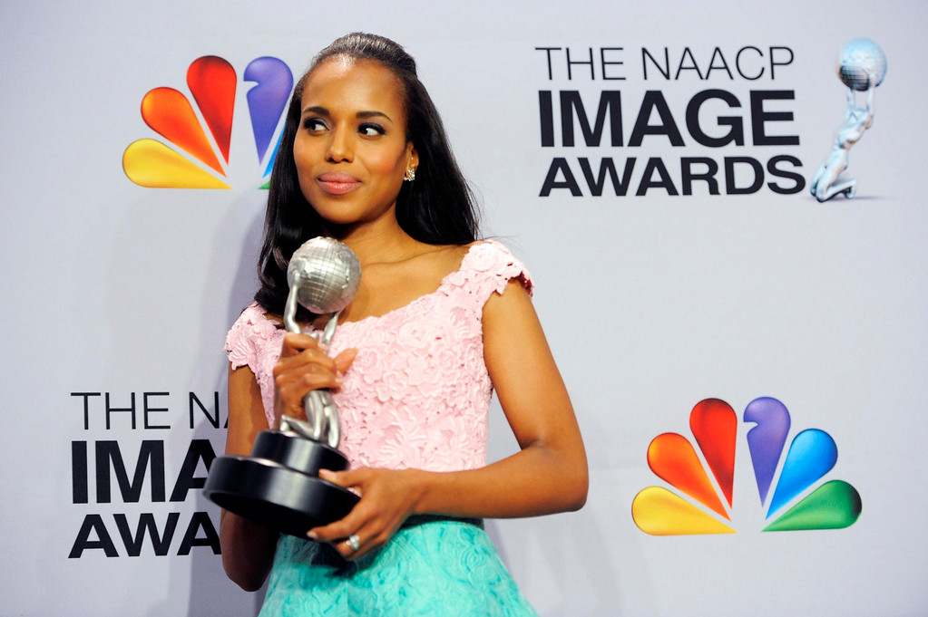 "Description of . Kerry Washington poses backstage with the award for outstanding actress in a drama series for ""Scandal\""  at the 44th Annual NAACP Image Awards at the Shrine Auditorium in Los Angeles on Friday, Feb. 1, 2013. (Photo by Chris Pizzello/Invision/AP)"
