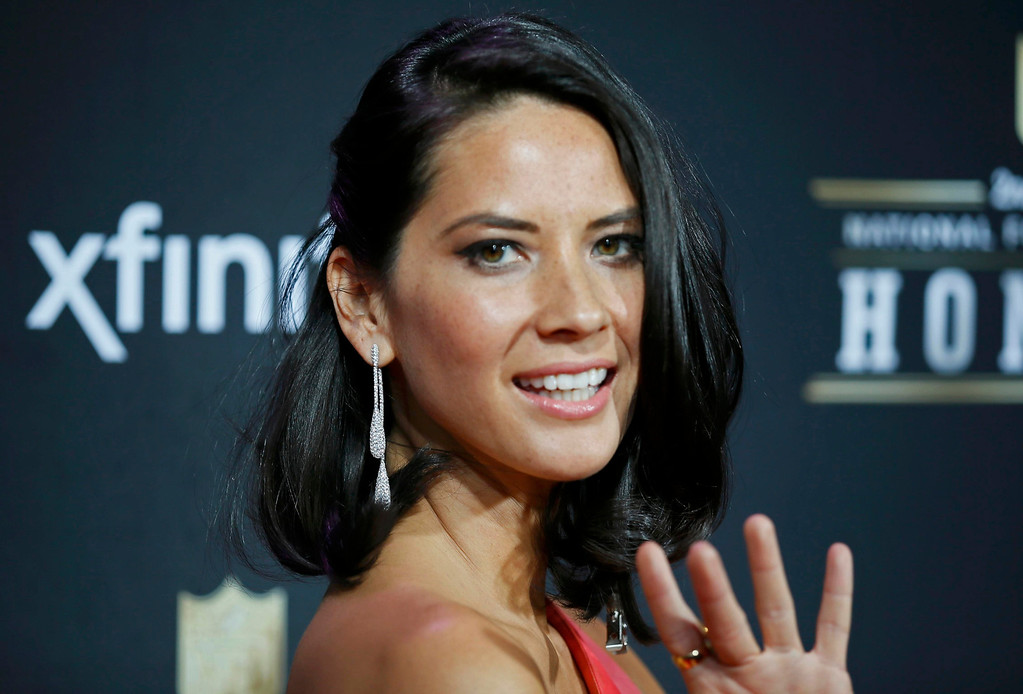 Description of . \Actress Olivia Munn arrives at the 2nd Annual NFL Honors in New Orleans, Louisiana, February 2, 2013. The San Francisco 49ers will meet the Baltimore Ravens in the NFL Super Bowl XLVII football game February 3.  REUTERS/Lucy Nicholson