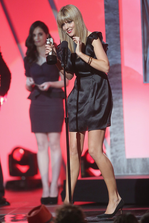 Description of . Internet personality Grace Helbig accepts the Best Comedy Actress award onstage at the 3rd Annual Streamy Awards at Hollywood Palladium on February 17, 2013 in Hollywood, California.  (Photo by Frederick M. Brown/Getty Images)