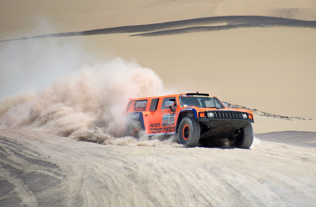 Description of . US Robby Gordon steers his Hummer during Stage 3 of the Dakar Rally 2013 between Pisco and Nazca, Peru, on January 7, 2013. The rally will take place in Peru, Argentina and Chile from January 5-20.  FRANCK FIFE/AFP/Getty Images