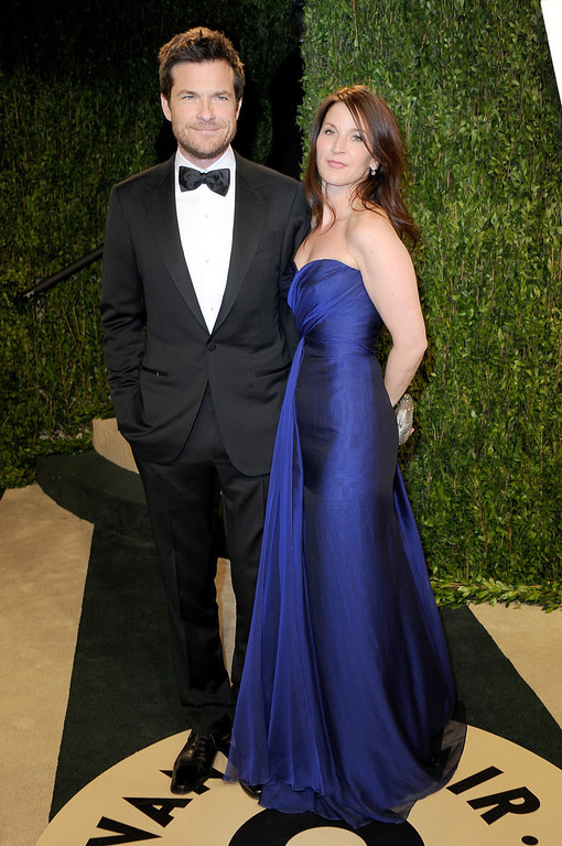 Description of . Actor Jason Bateman (L) Amanda Anka arrive at the 2013 Vanity Fair Oscar Party hosted by Graydon Carter at Sunset Tower on February 24, 2013 in West Hollywood, California.  (Photo by Pascal Le Segretain/Getty Images)