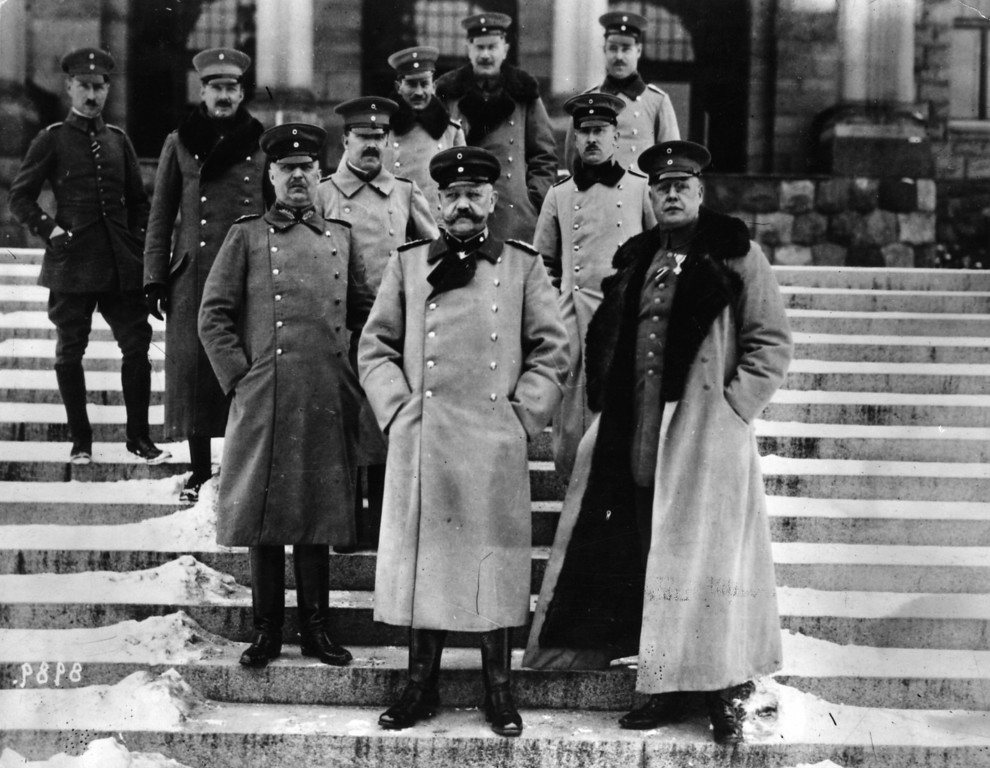 Description of . German general Paul von Hindenburg with his officers, including General Erich Ludendorff (left).  Original Publication: People Disc - HE0241   (Photo by Hulton Archive/Getty Images)