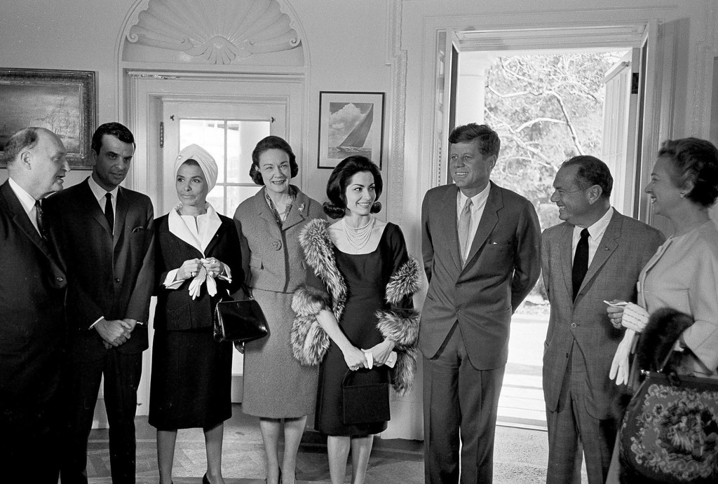 Description of . Kennedy poses at the White House with, from left:   singer Lena Horne; Margaret Price, vice chairwoman of the Democratic National Committee; Broadway actress Carol Lawrence; and Sidney Salomon Jr. of St. Louis, chairman of the Third Inaugural Anniversary Salute. Harvey Georges, Associated Press file