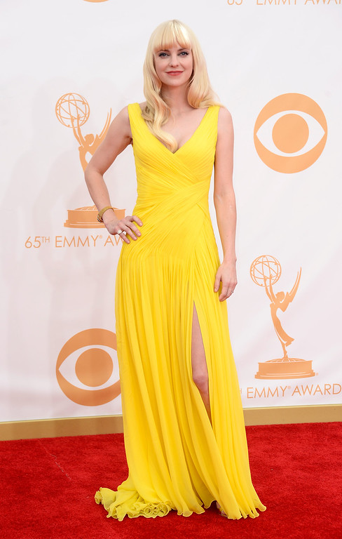 Description of . Actress Anna Faris arrives at the 65th Annual Primetime Emmy Awards held at Nokia Theatre L.A. Live on September 22, 2013 in Los Angeles, California.  (Photo by Frazer Harrison/Getty Images)