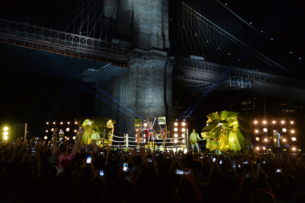 Description of . Musician Katy Perry performs during the 2013 MTV Video Music Awards in Empire-Fulton Ferry Park on August 25, 2013 in the Brooklyn borough of New York City.  (Photo by Mike Coppola/Getty Images for MTV)