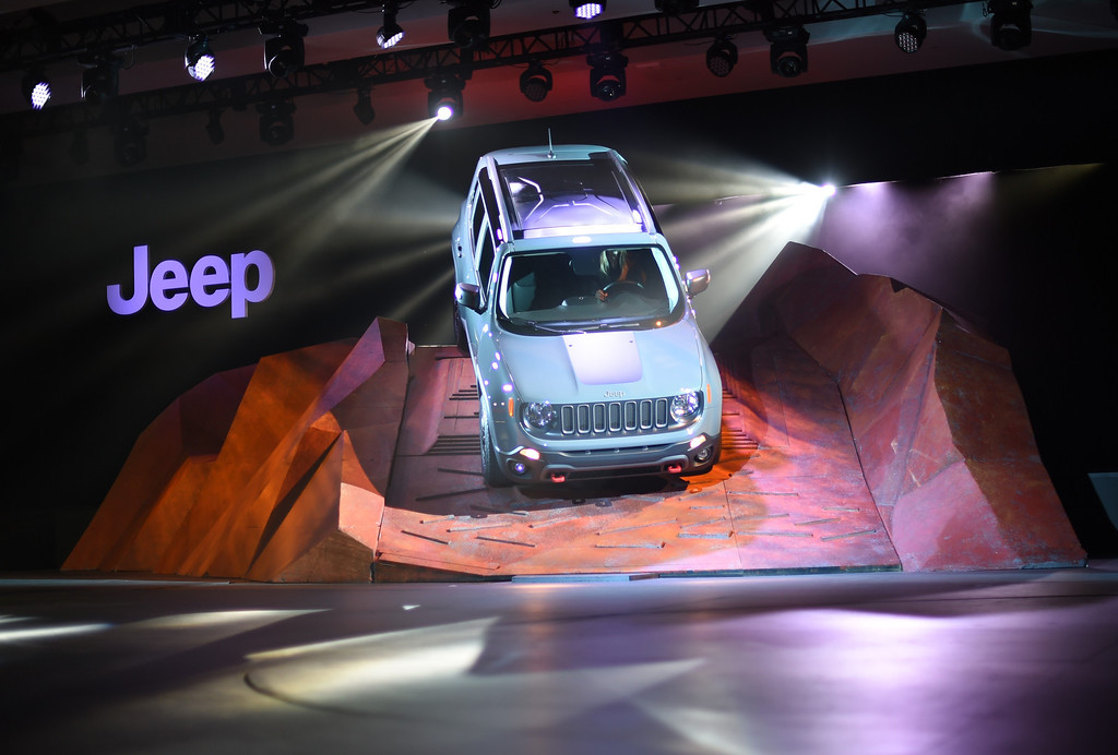 Description of . The 2015 Jeep Renegade on  display during the first  press preview day at the 2014 New York International Auto Show  April 16, 2014  at the Jacob Javits Center in New York . AFP PHOTO / Timothy A. Clary/AFP/Getty Images