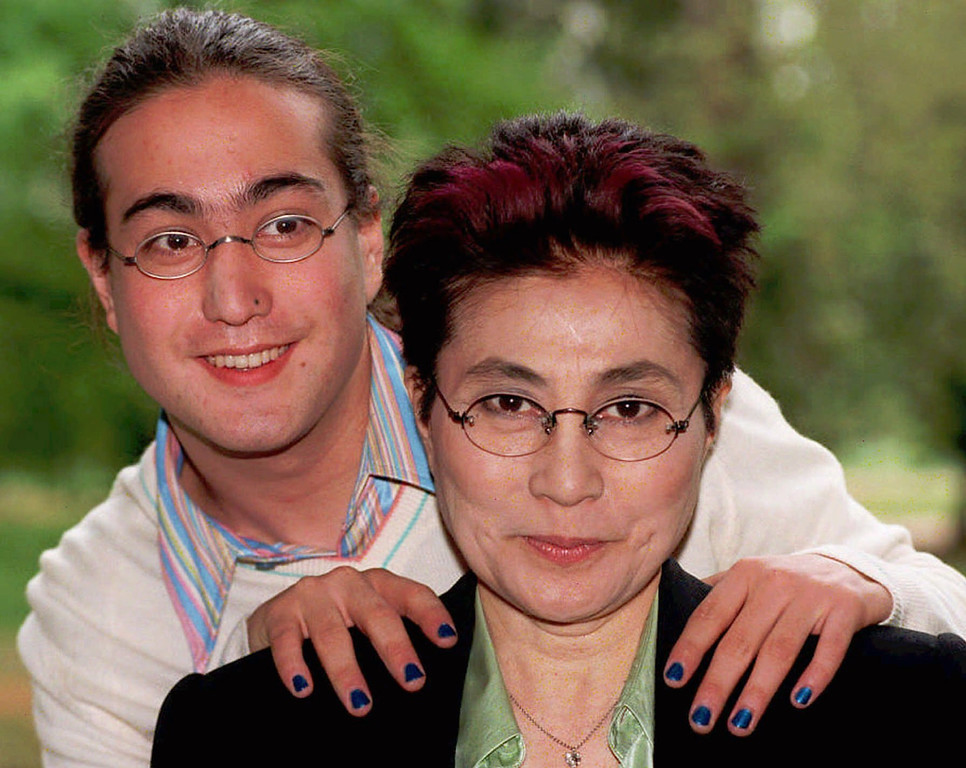 Description of . Yoko Ono poses with her son Sean Lennon at the Hyde Park Hotel in London, May 22, 1996. (AP Photo/John Stillwell)