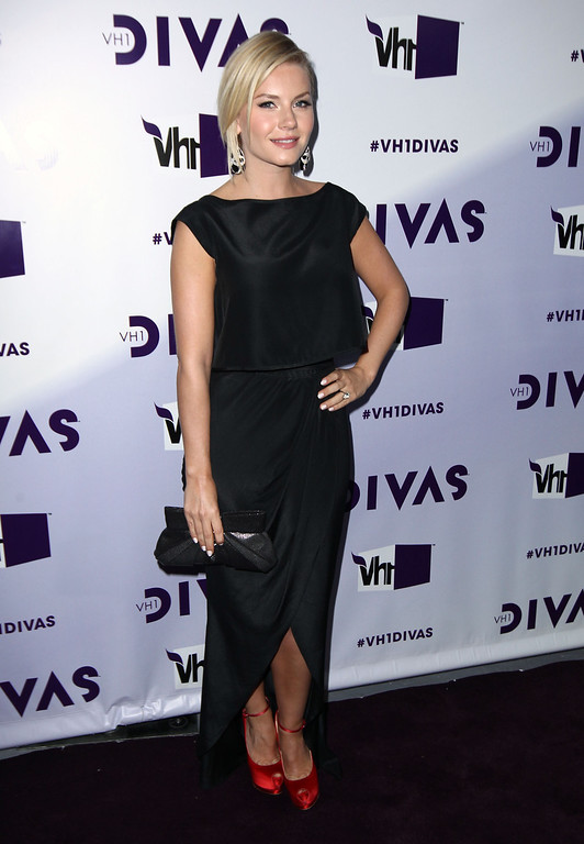 Description of . Elisha Cuthbert arrives at VH1 Divas on Sunday, Dec. 16, 2012, at the Shrine Auditorium in Los Angeles. (Photo by Matt Sayles/Invision/AP)