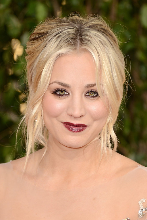 Description of . Actress Kaley Cuoco arrives at the 70th Annual Golden Globe Awards held at The Beverly Hilton Hotel on January 13, 2013 in Beverly Hills, California.  (Photo by Jason Merritt/Getty Images)
