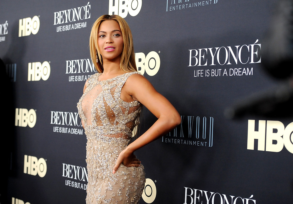 Description of . Beyonce Knowles attends the premiere of