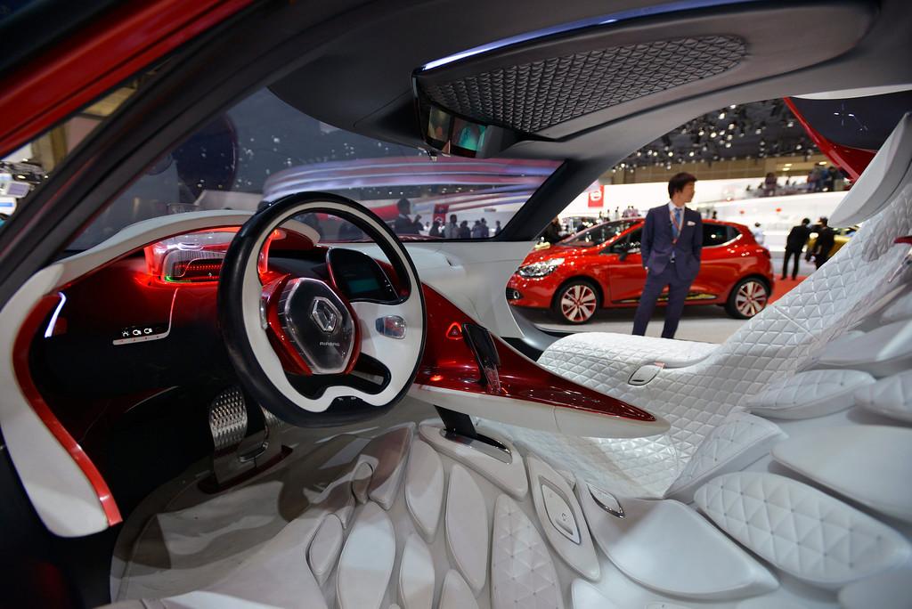 Description of . An interior view of a Renault's 'DeZir' electric concept car at the 43rd Tokyo Motor Show 2013 in Tokyo, Japan, 20 November 2013.   EPA/FRANCK ROBICHON
