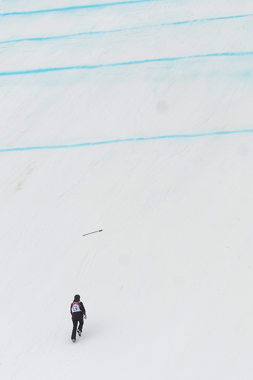 Description of . Sweden\'s Emma Dahlstrom takes a jump during the women\'s freestyle skiing slopestyle qualifying at the Rosa Khutor Extreme Park, at the 2014 Winter Olympics, Tuesday, Feb. 11, 2014, in Krasnaya Polyana, Russia.(AP Photo/Sergei Grits)
