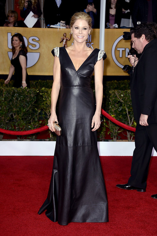 . Actress Julie Bowen arrives at the 19th Annual Screen Actors Guild Awards held at The Shrine Auditorium on January 27, 2013 in Los Angeles, California.  (Photo by Frazer Harrison/Getty Images)