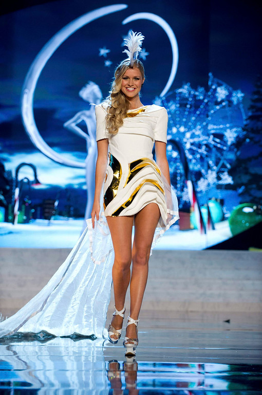 Description of . Miss Australia Renae Ayris performs onstage at the 2012 Miss Universe National Costume Show at PH Live in Las Vegas, Nevada December 14, 2012. The 89 Miss Universe Contestants will compete for the Diamond Nexus Crown on December 19, 2012. REUTERS/Darren Decker/Miss Universe Organization/Handout