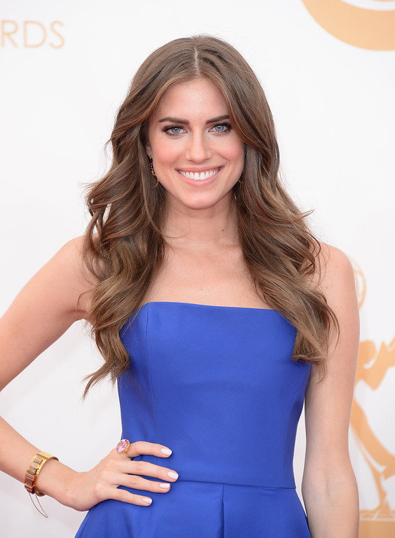 Description of . Actress Allison Williams arrives at the 65th Annual Primetime Emmy Awards held at Nokia Theatre L.A. Live on September 22, 2013 in Los Angeles, California.  (Photo by Jason Merritt/Getty Images)