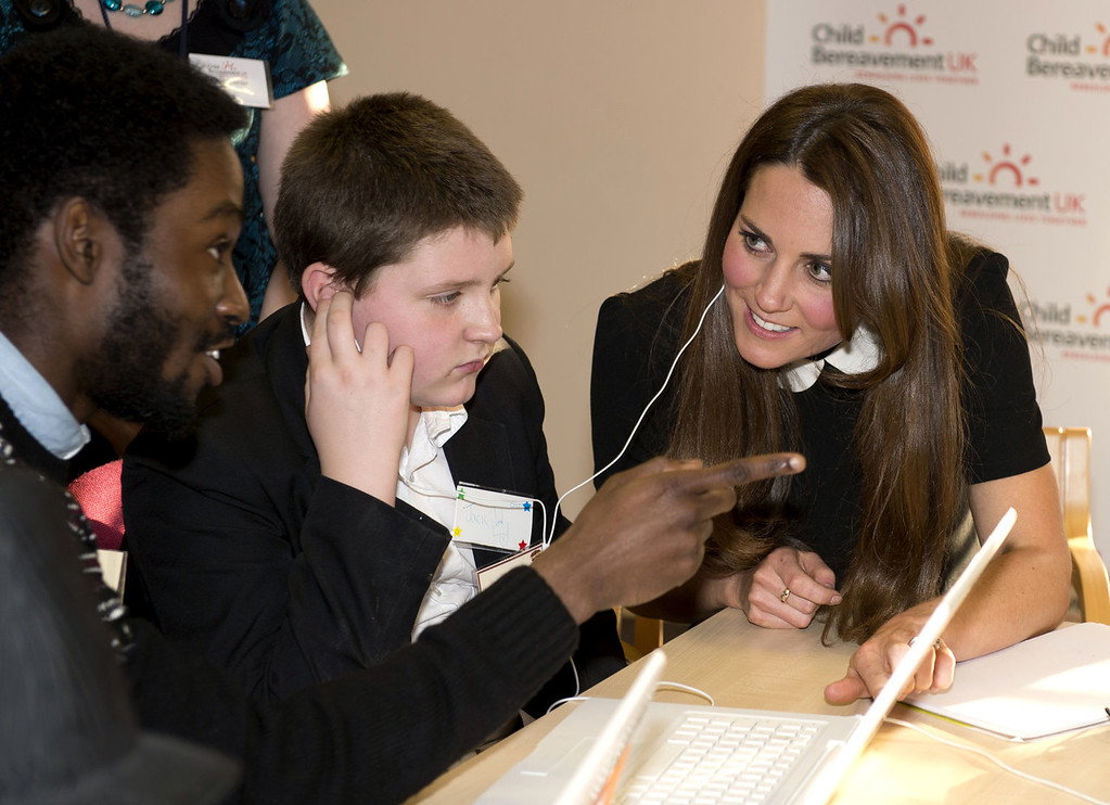 Description of . Britain\'s Catherine, Duchess of Cambridge, visits the offices of Child Bereavement, in Saunderton, Buckinghamshire, on March 19, 2013.  PAUL EDWARDS/AFP/Getty Images