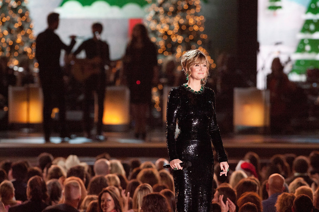Description of . Jennifer Nettles performs during the CMA 2013 Country Christmas on November 8, 2013 in Nashville, Tennessee.  (Photo by Erika Goldring/Getty Images)