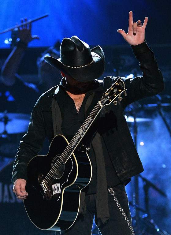 Description of . Singer Jason Aldean performs onstage during the 49th Annual Academy Of Country Music Awards at the MGM Grand Garden Arena on April 6, 2014 in Las Vegas, Nevada.  (Photo by Ethan Miller/Getty Images)