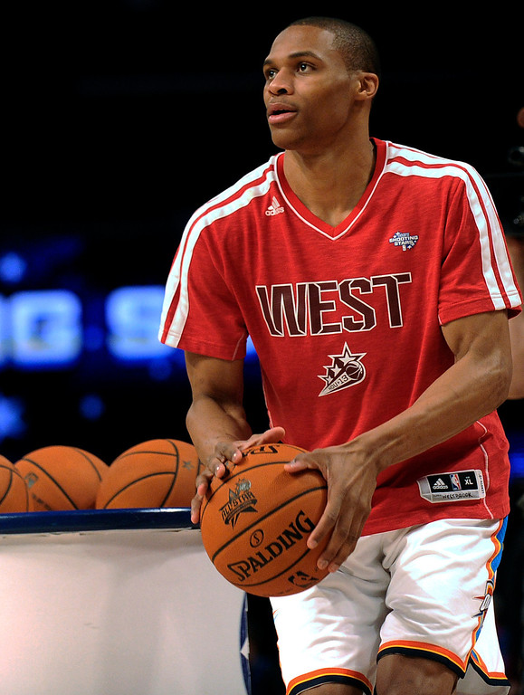 Description of . Russell Westbrook of the Oklahoma City Thunder participates at the skills challenge  during NBA All-Star Saturday Night basketball in Houston on Saturday, Feb. 16, 2013. (AP Photo/Pat Sullivan)
