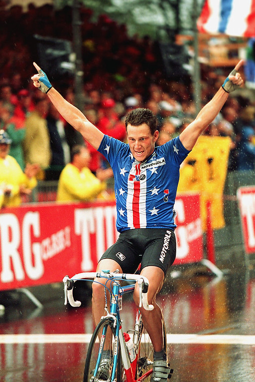 Description of . Lance Armstrong of Austin, Texas, crosses the finish line to win the professional men's world championship road race in Oslo, Norway, Sunday, Aug. 29, 1993.  (AP Photo/Michel Euler)