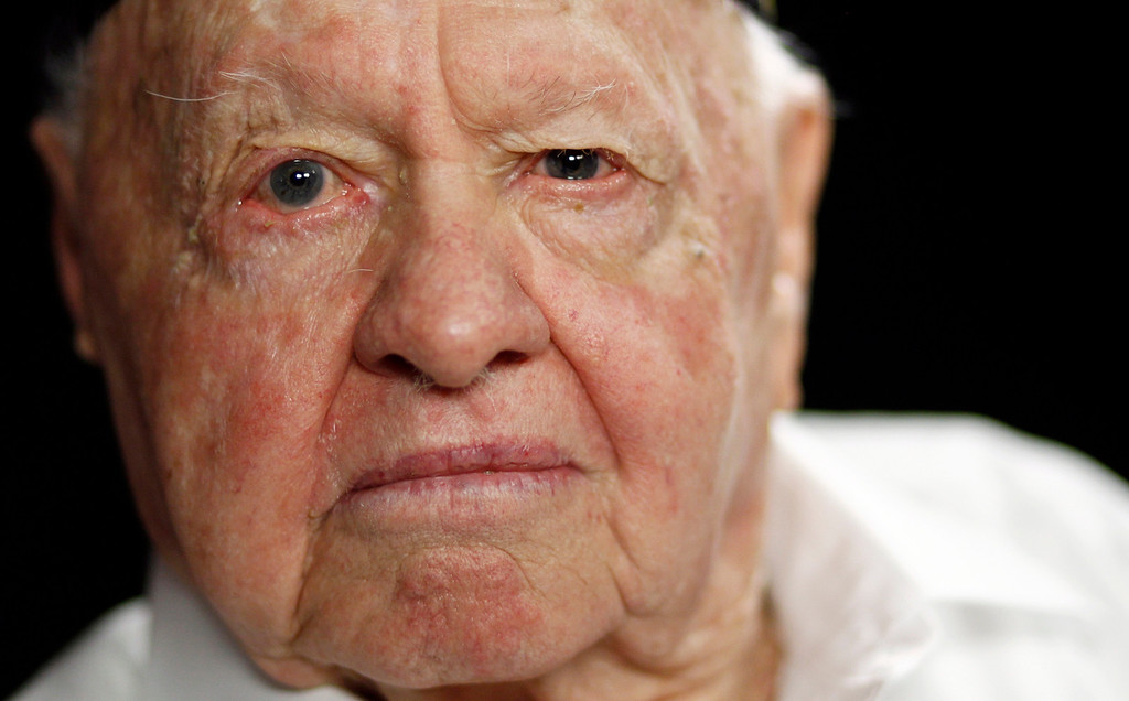 Description of . In this Thursday, May 19, 2011, file photo, actor Mickey Rooney poses during a portrait session in Los Angeles.  (AP Photo/Matt Sayles, File)