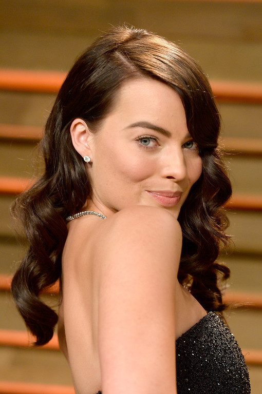 Description of . Actress Margot Robbie attends the 2014 Vanity Fair Oscar Party hosted by Graydon Carter on March 2, 2014 in West Hollywood, California.  (Photo by Pascal Le Segretain/Getty Images)