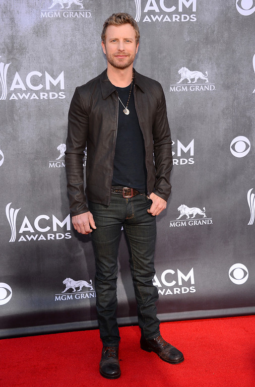 Description of . Dierks Bentley arrives at the 49th annual Academy of Country Music Awards at the MGM Grand Garden Arena on Sunday, April 6, 2014, in Las Vegas. (Photo by Al Powers/Powers Imagery/Invision/AP)