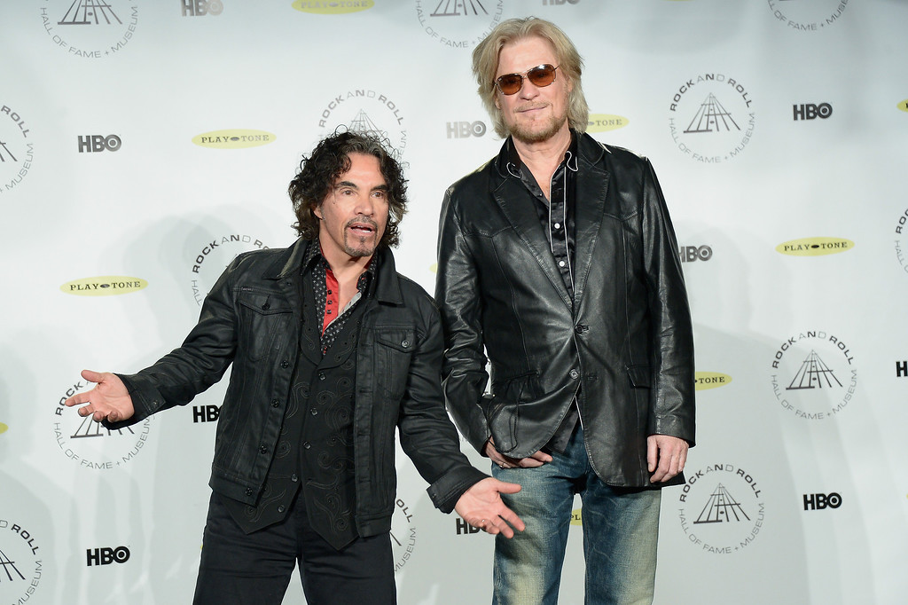 Description of . Inductees John Oates (L) and Daryl Hall of Hall and Oates attend the 29th Annual Rock And Roll Hall Of Fame Induction Ceremony at Barclays Center of Brooklyn on April 10, 2014 in New York City.  (Photo by Michael Loccisano/Getty Images)